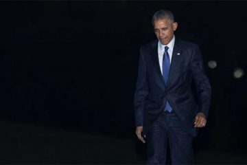 obama-walks-600x338